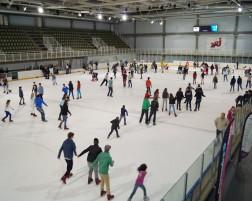Et Liège créa la patinoire…