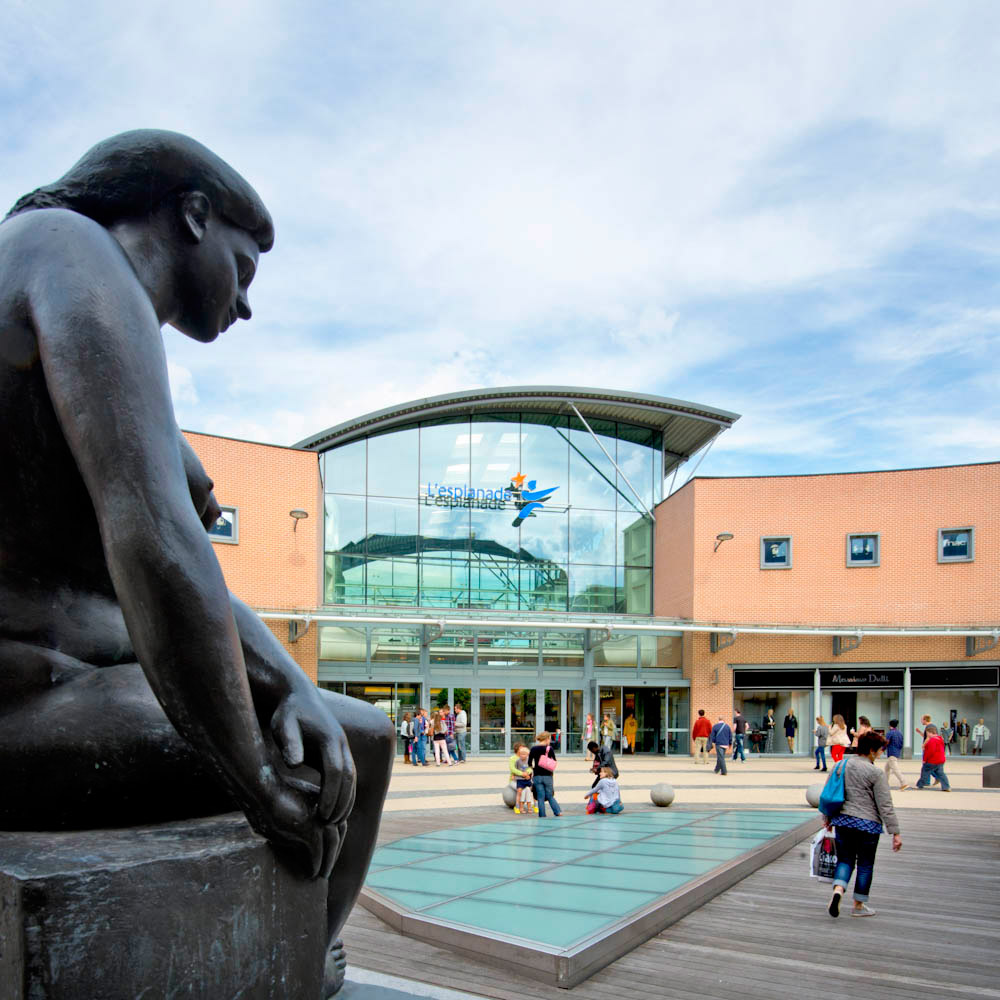 120913-esplanade-accueil_statue3